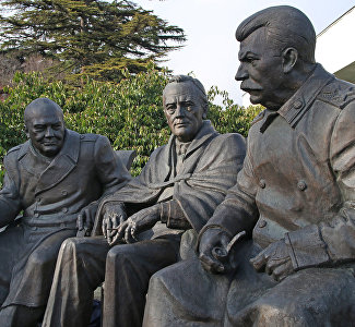 Monument to Stalin, Roosevelt and Churchill