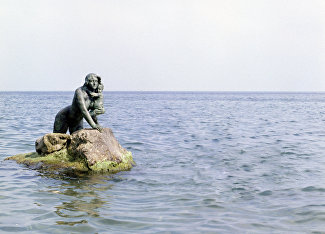 Mermaid sculpture in Miskhor