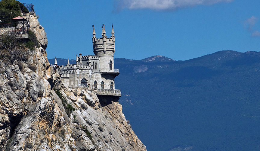 The Swallow's Nest Castle in Greater Yalta