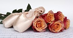 Pointe shoes and roses