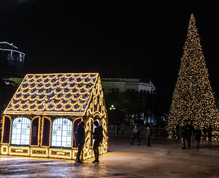 Christmas decorations in Yalta