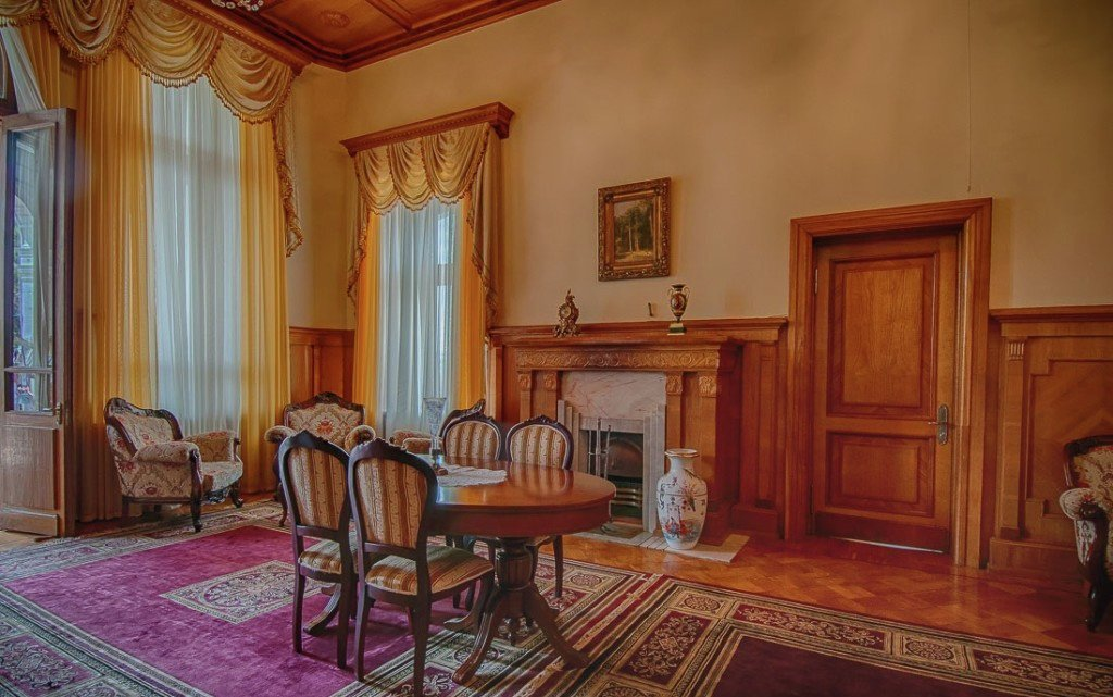 Apartments for tourists in the Yusupov Palace